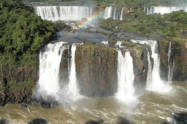 As cataratas de Foz do Iguaçu são consideradas uma das Sete Maravilhas do Mundo