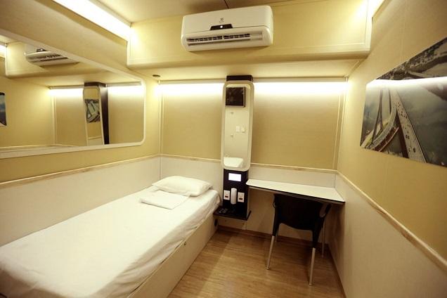 Viajantes podem dormir por algumas horas ou por diária na cabine