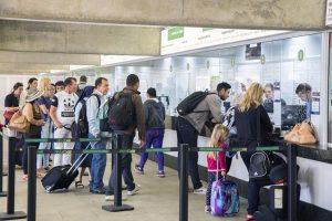 Passageiros devem antecipar a compra da passagem para o fim de ano. Foto: Valdecir Galor/SMCS/Divulgação