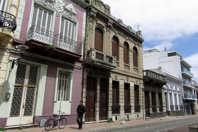 Cidade Velha pode ser conhecida em agradáveis caminhadas