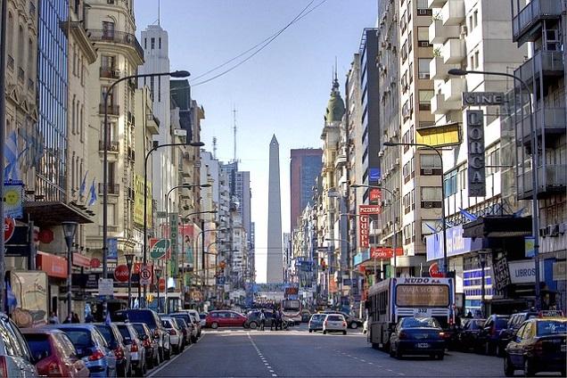 Veja 7 lugares incríveis para você conhecer nesta vibrante capital