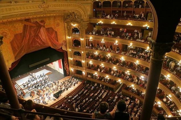 Teatro Colon é considerando um dos melhores teatros de ópera do mundo