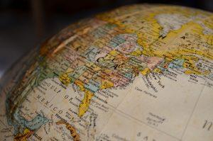 Que tal começar a planejar sua viagem internacional de ônibus?