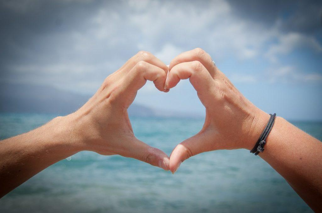 Conheça os destinos onde o amor está no ar