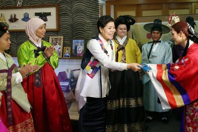 Comunidade da Coréia do Sul tem forte presença no comércio do bairro do Bom Retiro