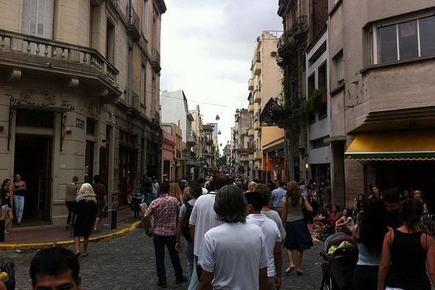 A Feira de San Telmo ocorre sempre aos domingos e reserva boas surpresas