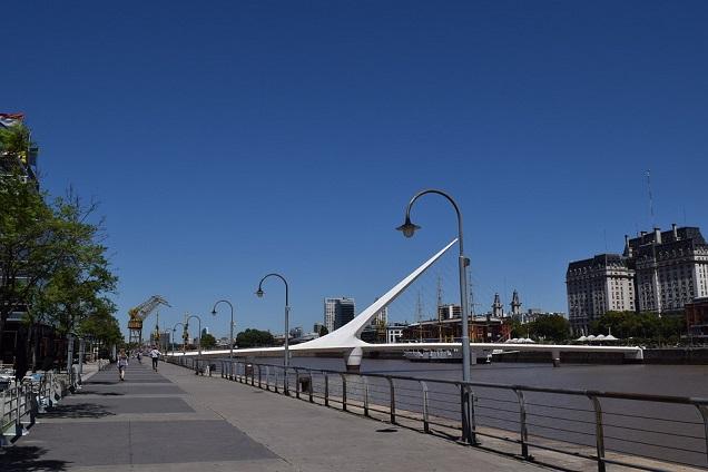 Puente de la Mujer (Ponte da Mulher) é um dos pontos mais famosos de Puerto Madero