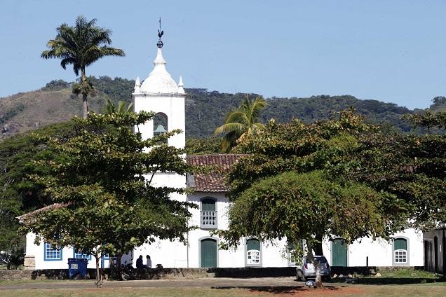 Paraty com suas ruas de pedras é um exemplo de arquitetura portuguesa