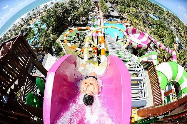 Beach Park é diversão garantida.Crédito: Beach Park/Divulgação/Wikimedia Commons