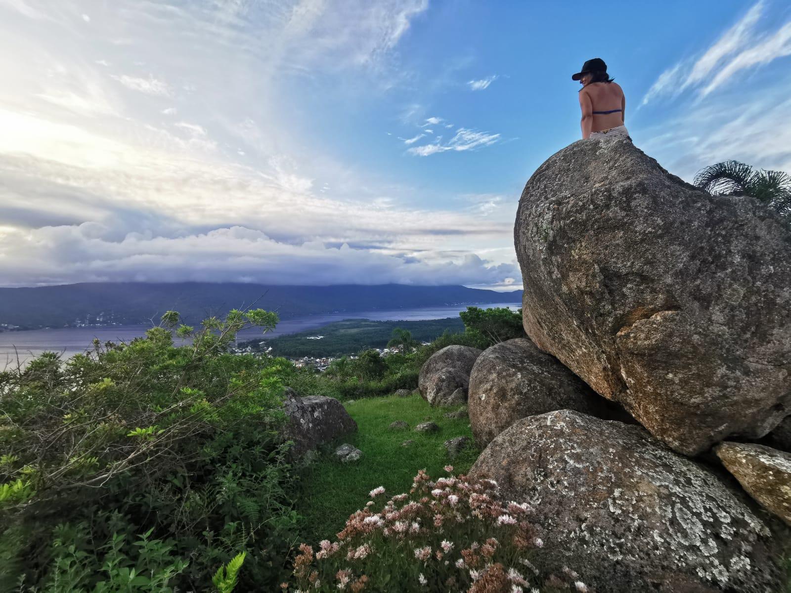 21 trilhas em Florianópolis para você desbravar a natureza da cidade